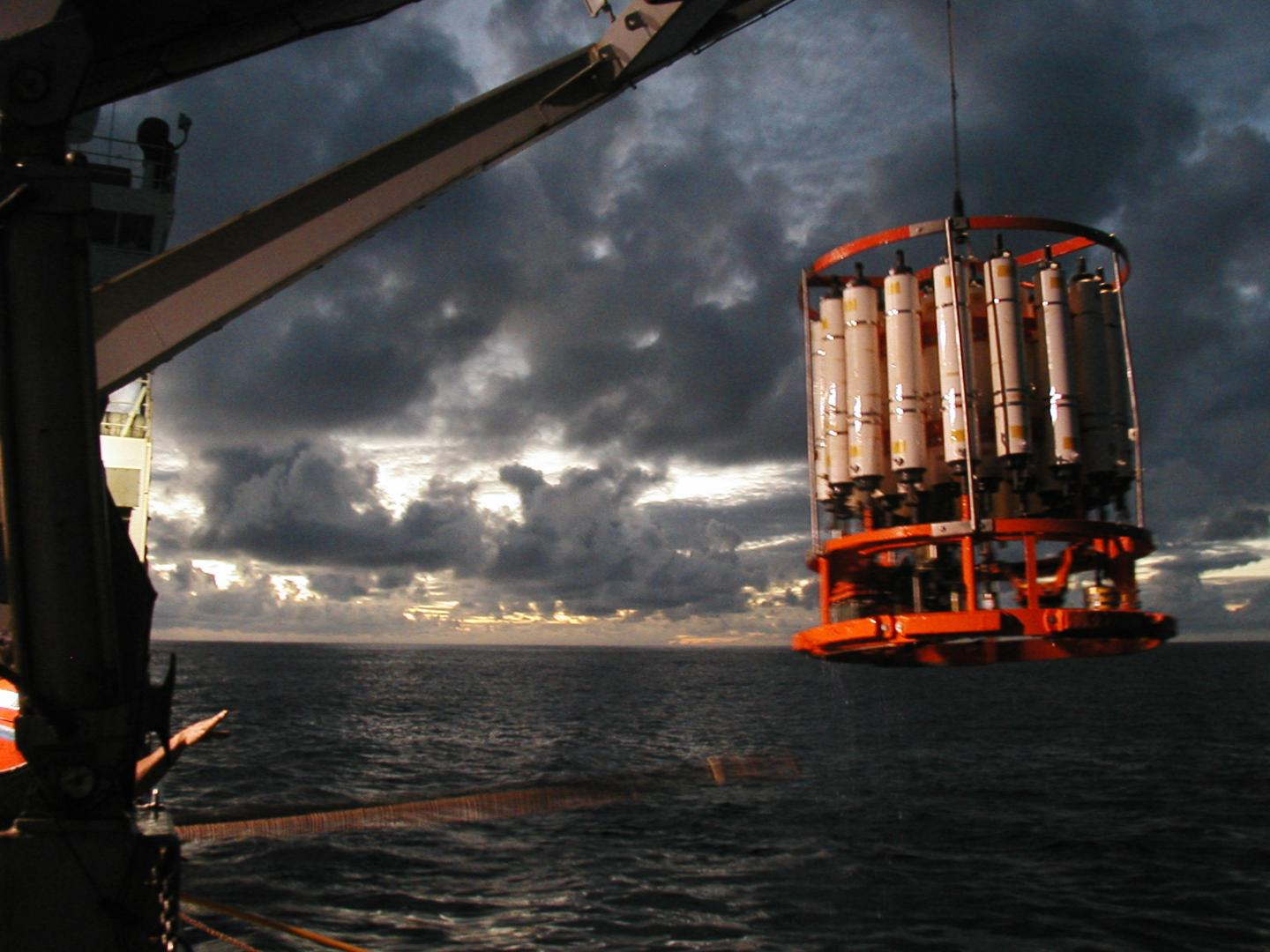 Dusk CTD recovery, South Pacific